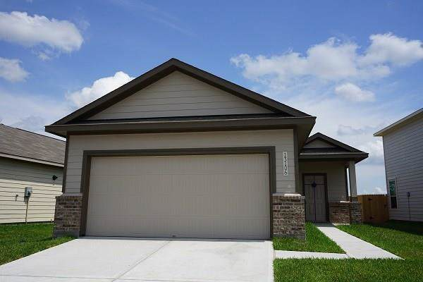 13246 Sandy Mound Lane, Houston, TX 77044 (MLS #92688302) :: Green Residential
