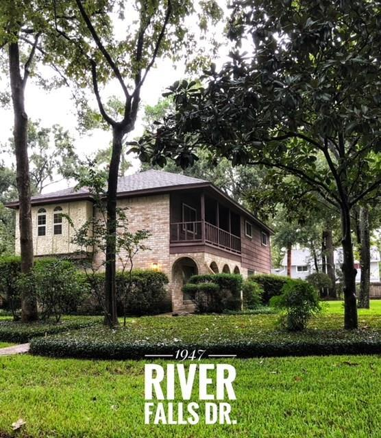 1947 River Falls Drive, Houston, TX 77339 (MLS #92734403) :: Christy Buck Team