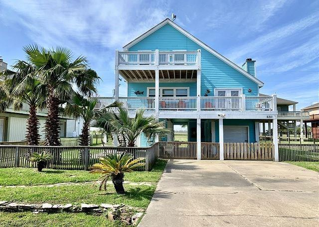 2311 Martinique, Crystal Beach, TX 77650 (MLS #93264196) :: Texas Home Shop Realty