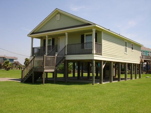 958 Sand Dune Drive, Crystal Beach, TX 77650 (MLS #93365759) :: Ellison Real Estate Team