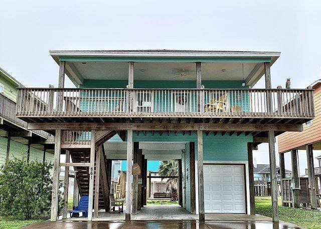 861 Surfview, Crystal Beach, TX 77650 (MLS #93610956) :: The Parodi Team at Realty Associates