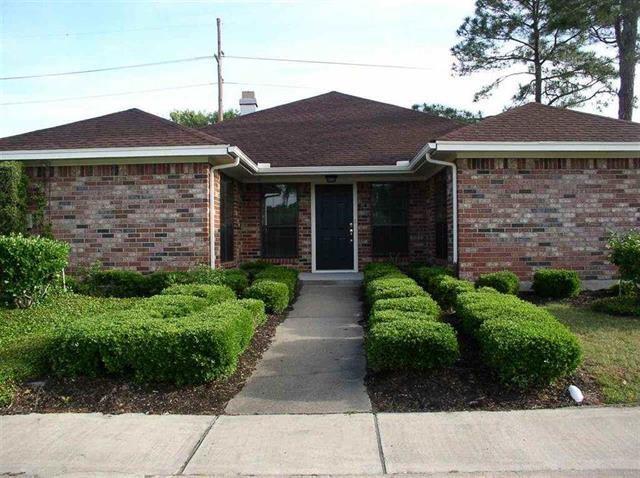6610 Woodridge Street, Beaumont, TX 77706 (MLS #93761823) :: The Heyl Group at Keller Williams