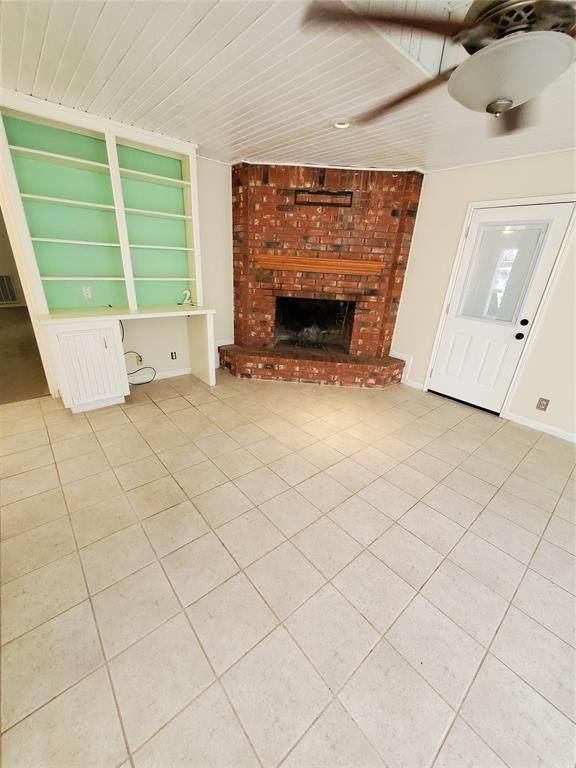 2 Erickson St. Street, Conroe, TX 77301 (MLS #94057159) :: The Freund Group