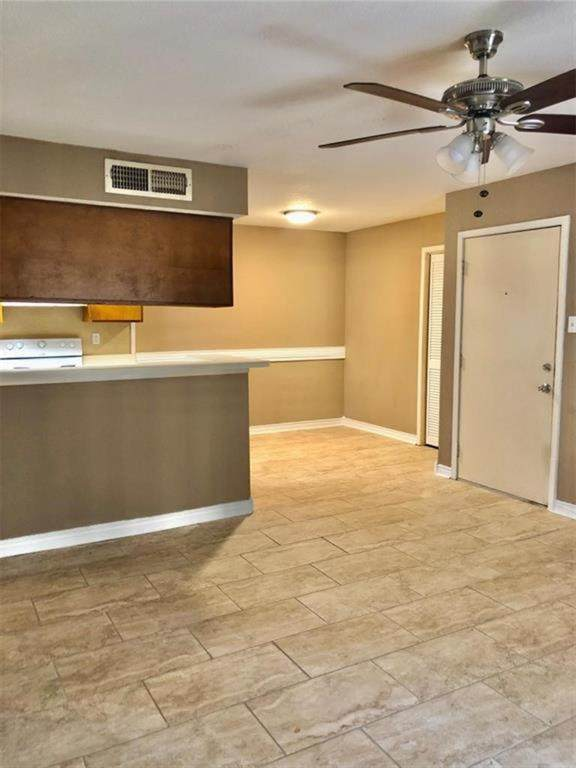 12905 Woodforest Boulevard #201, Houston, TX 77015 (MLS #94093996) :: My BCS Home Real Estate Group