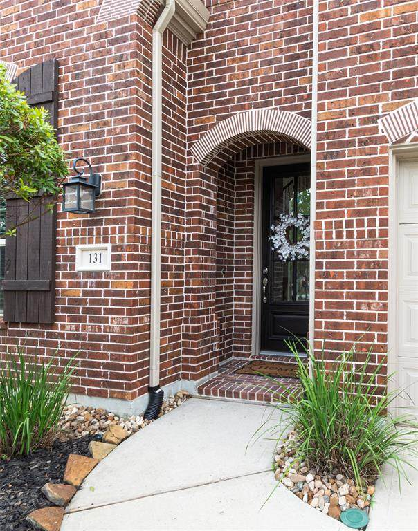 131 Mayfield Drive, Montgomery, TX 77316 (MLS #94114195) :: The SOLD by George Team