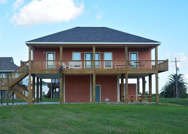 934 Cove S, Crystal Beach, TX 77650 (MLS #94307709) :: The SOLD by George Team