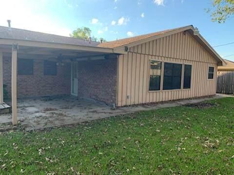1033 Vine Drive, Angleton, TX 77515 (MLS #94307769) :: Texas Home Shop Realty