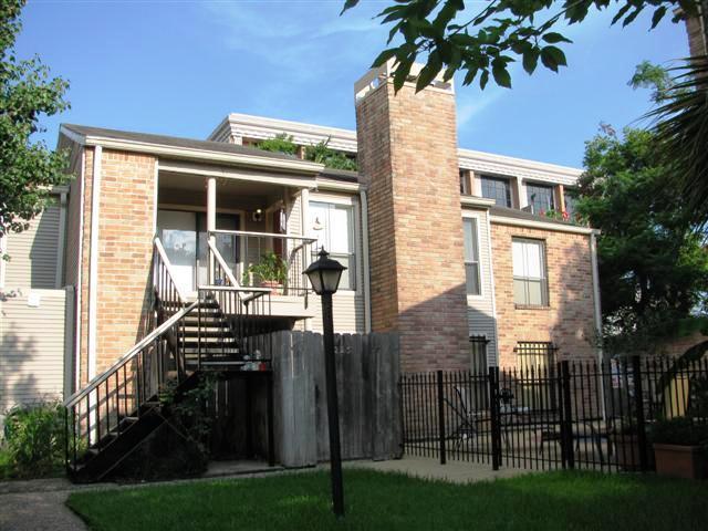 3700 W Clay Street #226, Houston, TX 77019 (MLS #94653940) :: Glenn Allen Properties