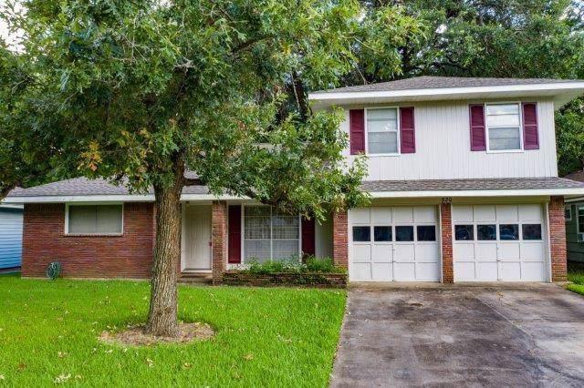 520 Wisteria Street, Lake Jackson, TX 77566 (MLS #95412010) :: The Heyl Group at Keller Williams