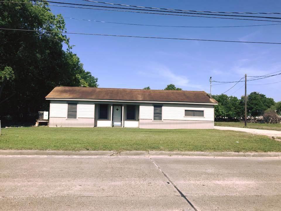 4815 Main Street - Photo 1