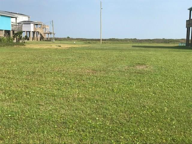 2000 Idyle View, Crystal Beach, TX 77650 (MLS #95556191) :: The SOLD by George Team