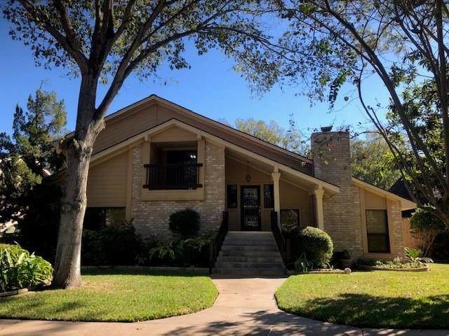 1762 Carriage Way, Sugar Land, TX 77478 (MLS #95698962) :: Michele Harmon Team