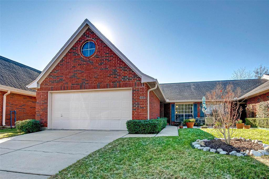 822 Country Meadows Ln - Photo 1