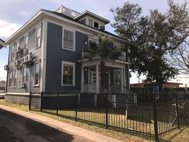 3915 E Broadway Row, Galveston, TX 77550 (MLS #96082427) :: Christy Buck Team