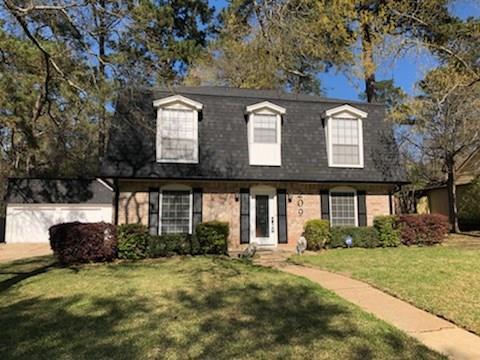 209 Pine Valley Street, Huntsville, TX 77320 (MLS #96164159) :: Team Parodi at Realty Associates