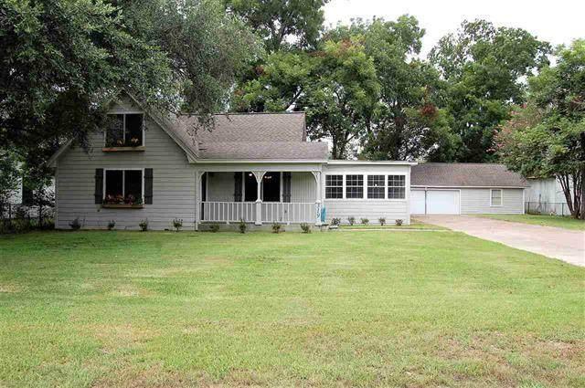 319 Walnut Avenue, Winnie, TX 77665 (MLS #96343501) :: Michele Harmon Team