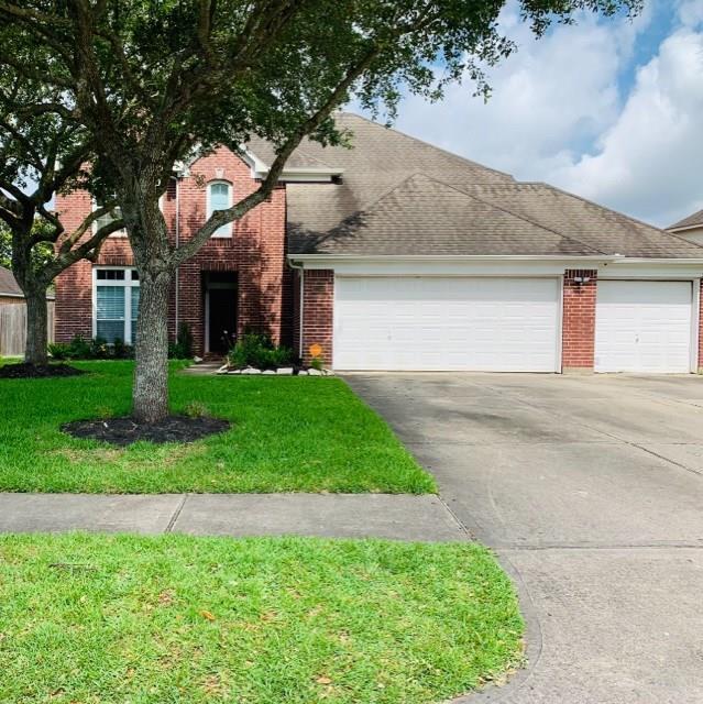 2203 Waters Edge Lane, League City, TX 77573 (MLS #9639913) :: Phyllis Foster Real Estate