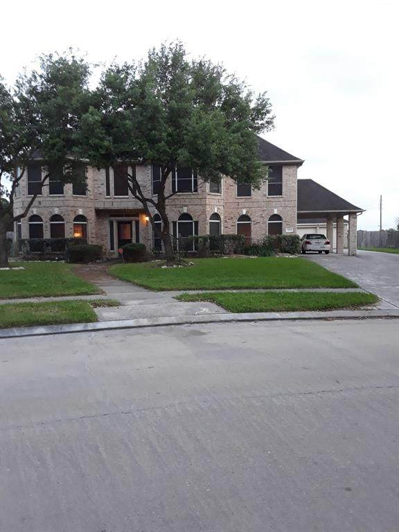 11023 Newport Bridge Lane, Sugar Land, TX 77498 (MLS #96470629) :: Caskey Realty