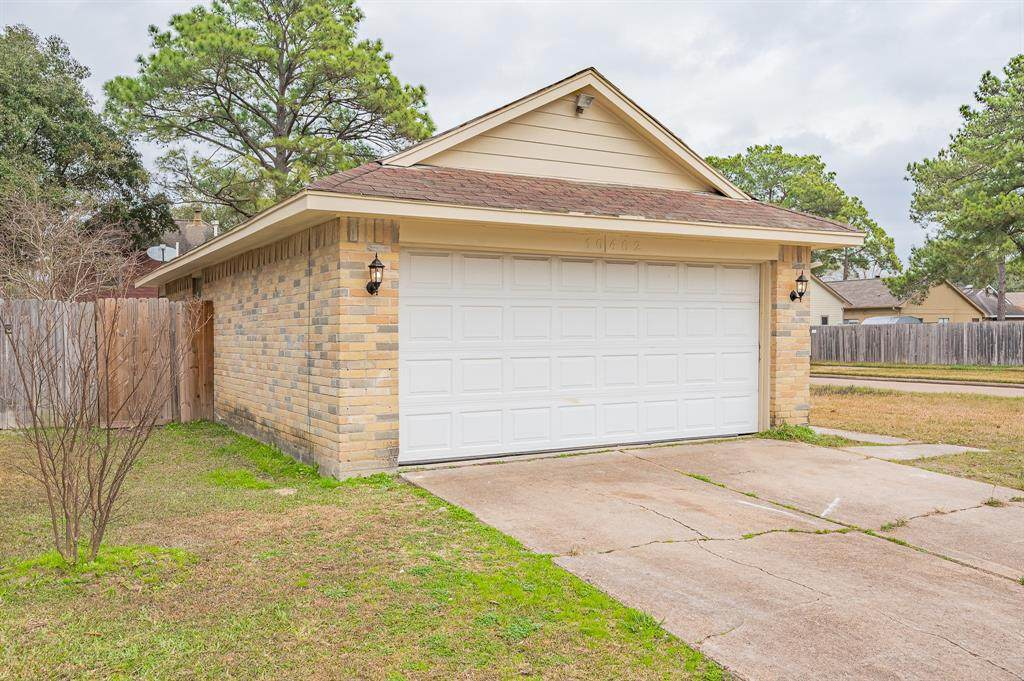 10402 Bushy Creek Drive - Photo 1
