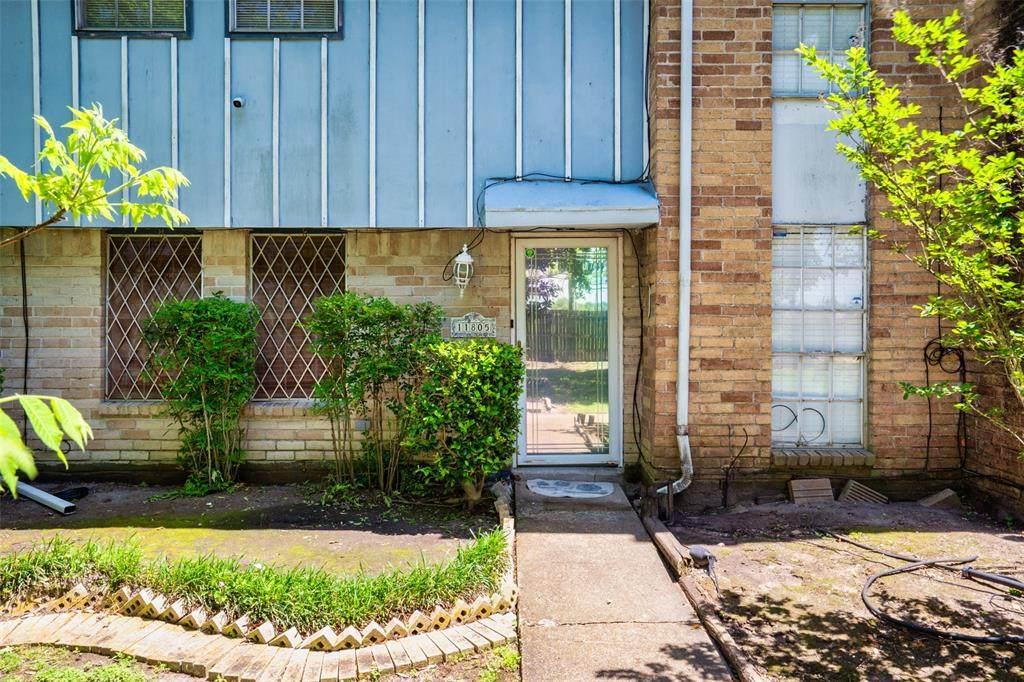 11805 Algonquin Drive - Photo 1