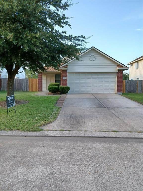 4435 Plumeria Avenue, Baytown, TX 77521 (MLS #96986812) :: Rachel Lee Realtor