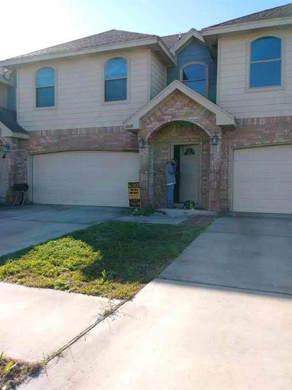 1029 Yellow Hammer Street, Rio Grande City, TX 78582 (MLS #97280632) :: The Home Branch