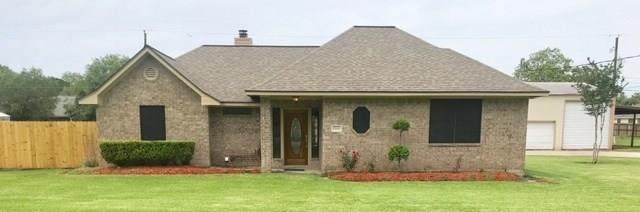 1506 Avenue I, Danbury, TX 77534 (MLS #97392379) :: The SOLD by George Team