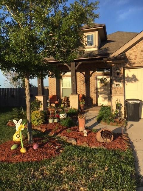 201 Morgan Isle Lane, Dickinson, TX 77539 (MLS #97449564) :: Texas Home Shop Realty