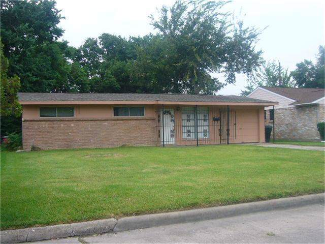 3727 Ripplebrook Drive, Houston, TX 77045 (MLS #97642740) :: Texas Home Shop Realty