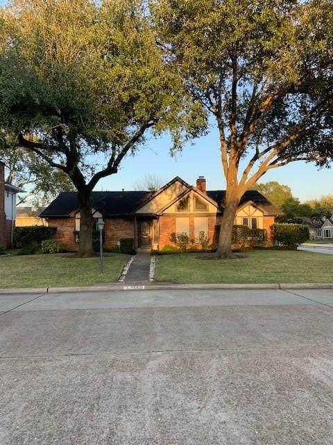 18331 Point Lookout Drive, Nassau Bay, TX 77058 (MLS #98468098) :: Ellison Real Estate Team