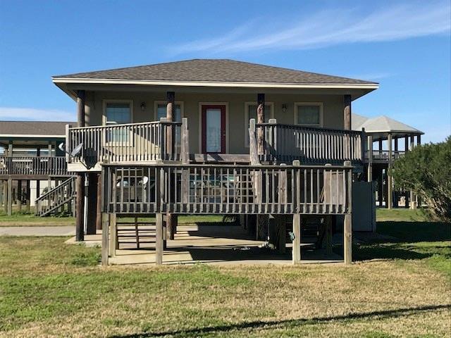 922 Eastview, Crystal Beach, TX 77650 (MLS #98527510) :: The SOLD by George Team