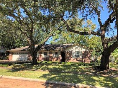 10223 Belfast Road, La Porte, TX 77571 (MLS #98605745) :: Texas Home Shop Realty