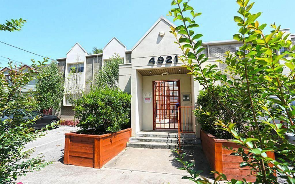 4921 Crawford Street - Photo 1