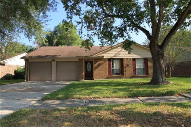 2788 Wood Hollow Drive, League City, TX 77573 (MLS #99034354) :: REMAX Space Center - The Bly Team