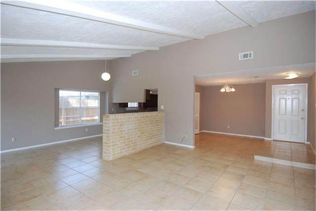 5322 Enchanted Timbers Drive, Humble, TX 77346 (MLS #9904121) :: Homemax Properties