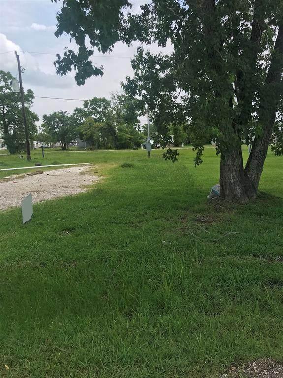 143 Egret Canal N, Baytown, TX 77523 (MLS #9957164) :: The Freund Group