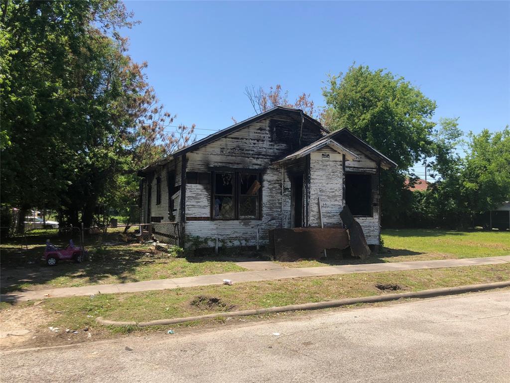 3352 Sanders Street - Photo 1