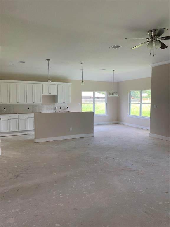404 Moss Rock Court, Dayton, TX 77535 (MLS #3096081) :: Bay Area Elite Properties