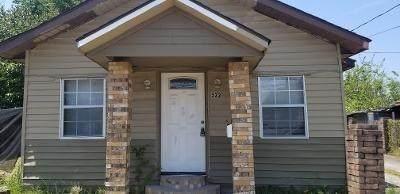 522 N Main Street, Highlands, TX 77562 (MLS #32157899) :: Keller Williams Realty