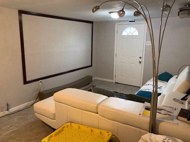 7401 Anzac Street, Houston, TX 77020 (MLS #35175650) :: Phyllis Foster Real Estate