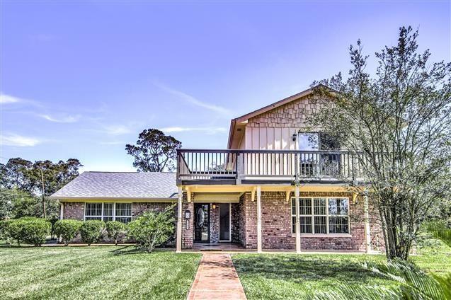 3401. E Country Club Dr, Shoreacres, TX 77571 (MLS #3728811) :: Texas Home Shop Realty