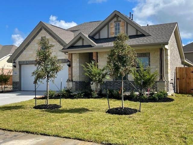 14711 Medford Way, Mont Belvieu, TX 77523 (MLS #46313082) :: The Property Guys