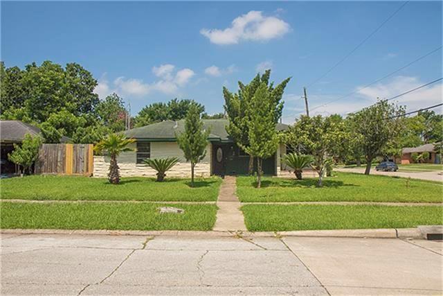 2110 Vinita Street, Houston, TX 77034 (MLS #47144046) :: Texas Home Shop Realty