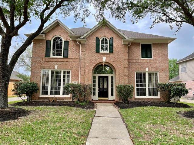 3135 Pleasant Cove Court, Houston, TX 77059 (MLS #47548907) :: The SOLD by George Team