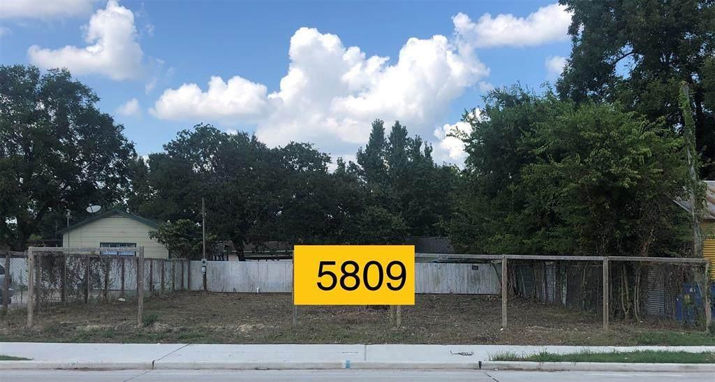 5809 Laura Koppe Road - Photo 1