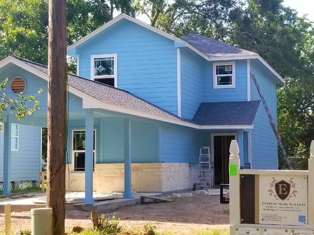 216 W Munson Street, Angleton, TX 77515 (MLS #61734340) :: Magnolia Realty
