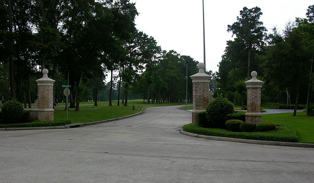 5 Fairway Estates Drive - Photo 1
