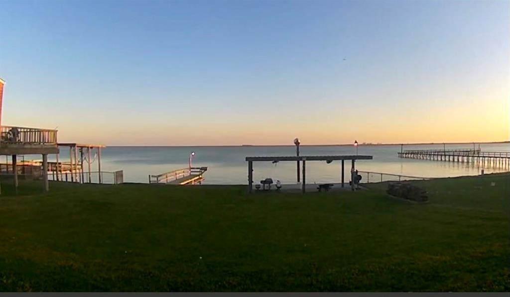 2314 Bay Oaks Harbor Drive - Photo 1
