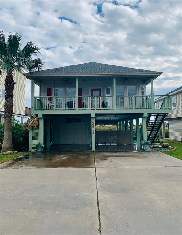 13815 Doubloon Avenue, Galveston, TX 77554 (MLS #71648788) :: The Bly Team