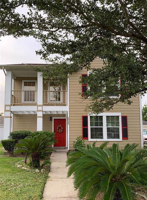 2862 Morning Mist Ln Lane, League City, TX 77573 (MLS #72435254) :: Ellison Real Estate Team